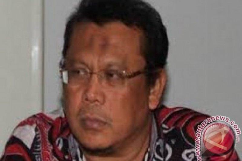 Polisi menggeledah rumah Eggy Sudjana