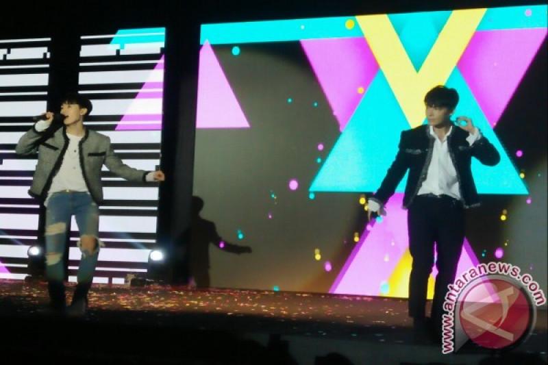 Ketika Donghae Super Junior ikut berjoget dayung