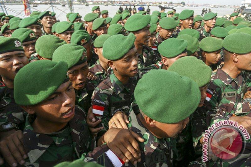 Satgas pengamanan perbatasan indonesia bina tentara cilik