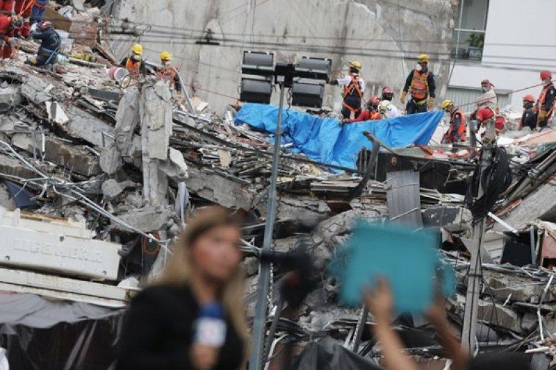 Gempa bermagnitudo 6,3 guncang Meksiko