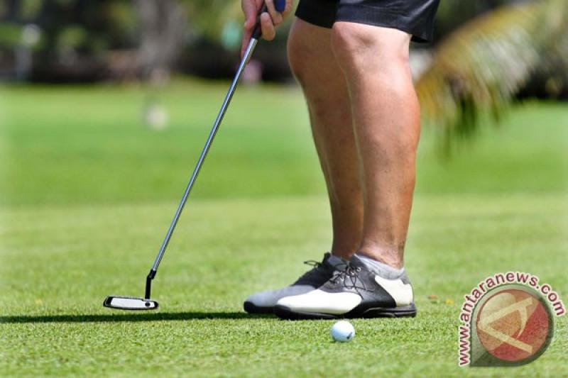 Siwo gelar turnamen golf peringati Hari Olahraga Nasional