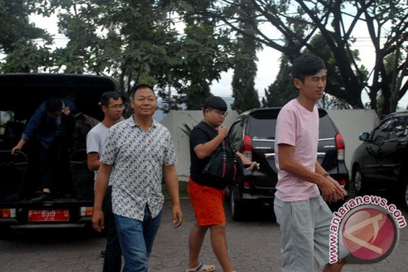 Kantor Imigrasi Sukabumi deportasi TKA China ilegal