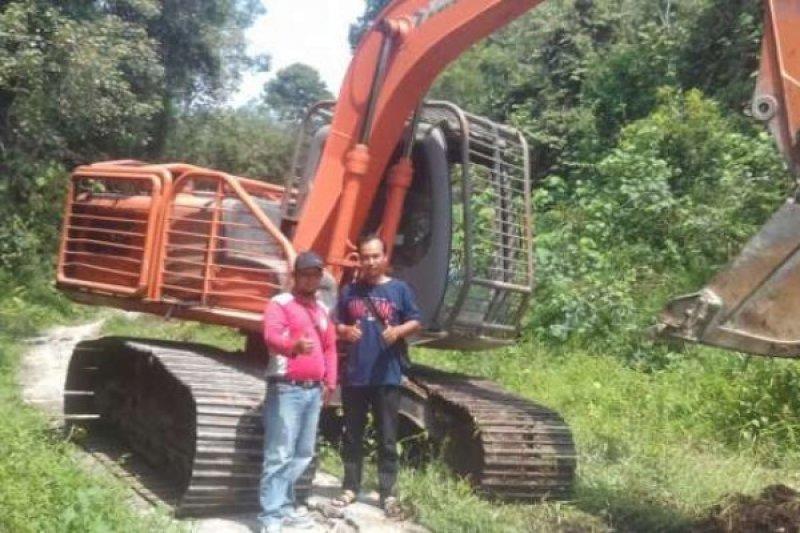 Dinas PUPR OKU perbaiki jalan rusak