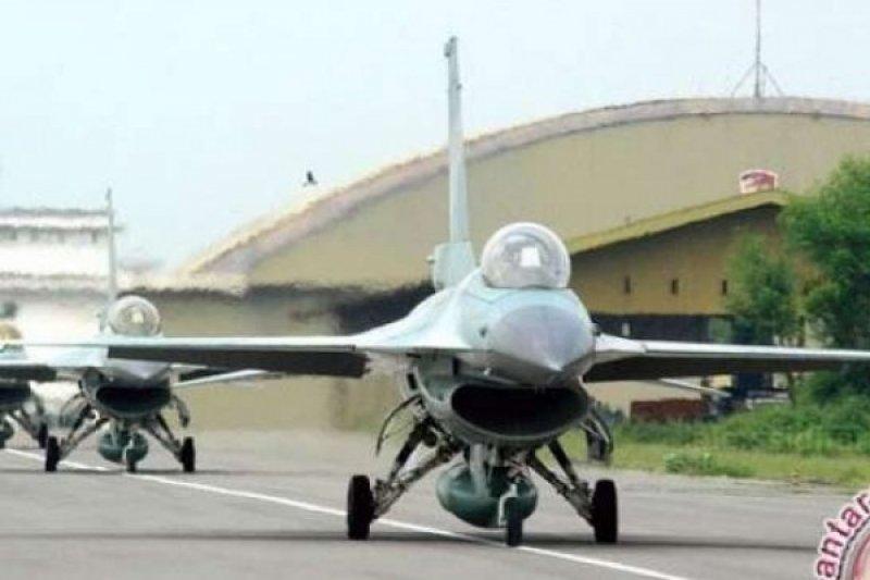 """15 Pesawat Tempur Gelar Latihan Gabungan """"MOT"""" Di Riau"""