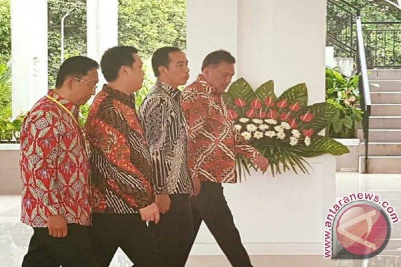 Jokowi diminta perhatikan petani kelapa dan cengkih
