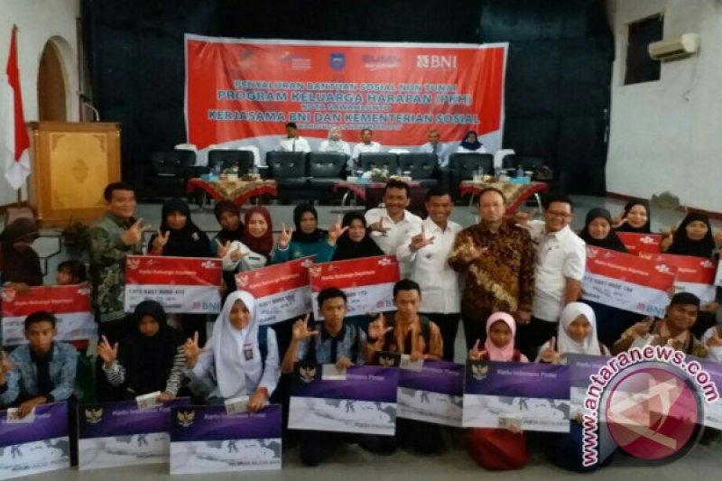 BNI Tuntaskan Penyaluran PKH Tahap IV di Sawahlunto
