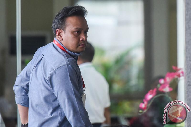 Saksi sebut serahkan uang ke keponakan Setya Novanto