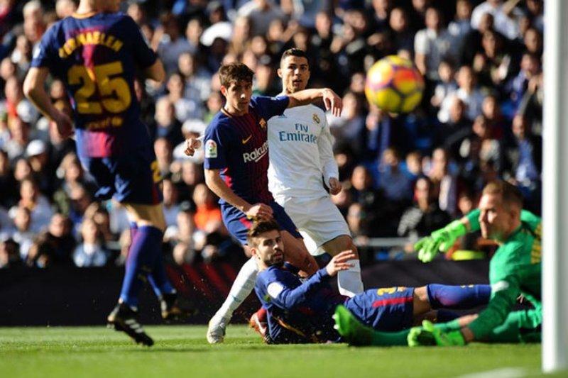 """Barcelona kalahkan Real Madrid 3-0 pada """"Clasico"""""""