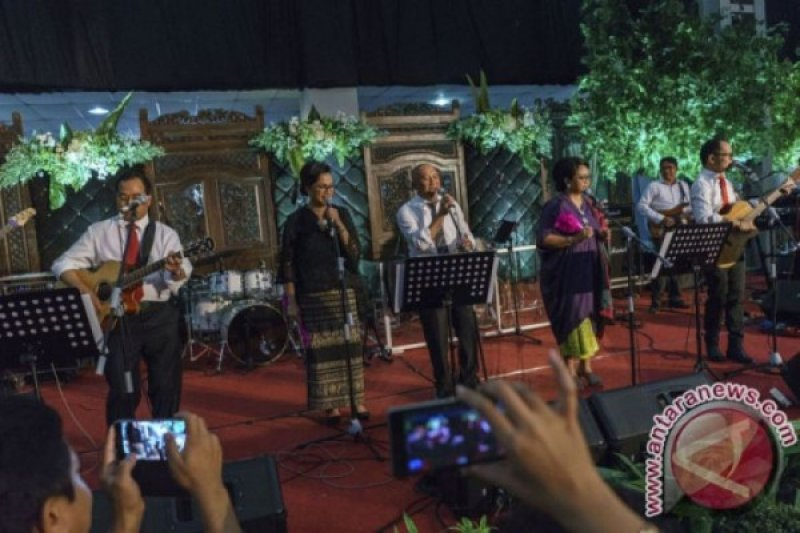 """Hanif sebut kelahiran """"Elek Yo Band"""" bentuk keisengan para Menteri"""
