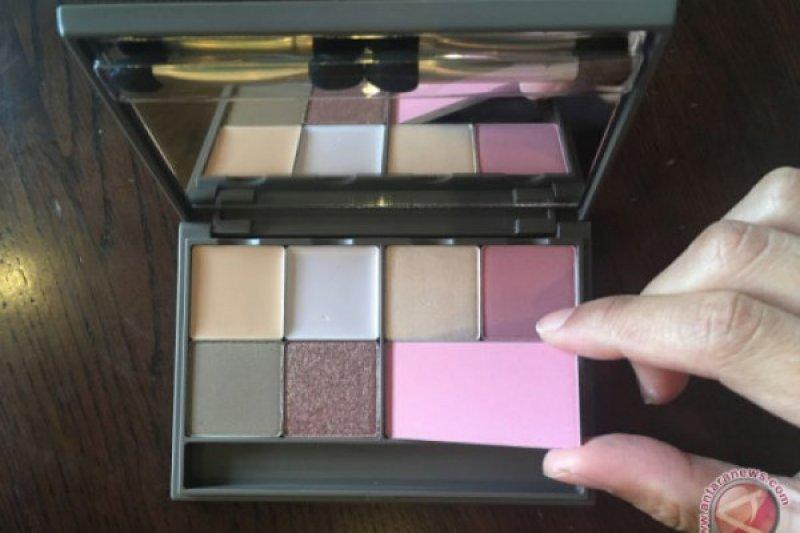 Tips hemat gunakan make up dasar