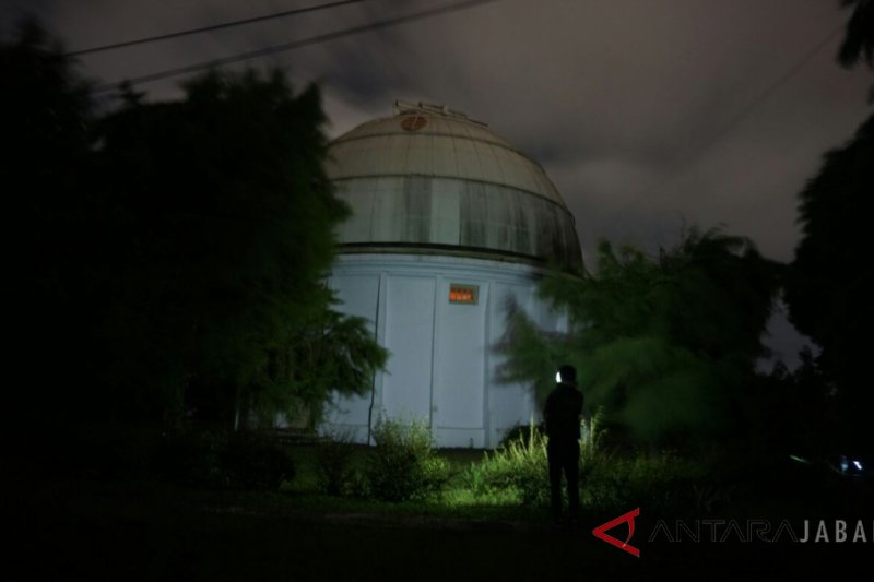 Pengamatan gerhana bulan di Boscha terhalang awan