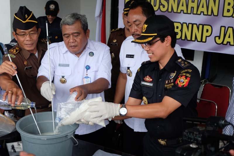 BNN bersama Bea Cukai musnahkan 1.940 gram sabu