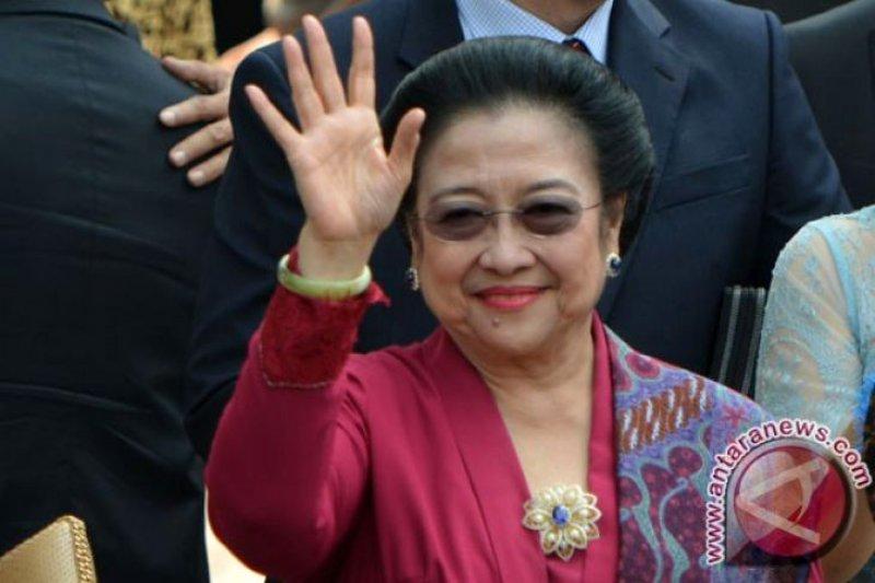 Megawati: Lestarikan wayang kepada generasi muda