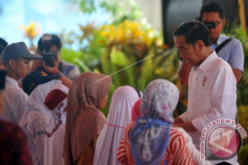 PEMBAGIAN KARTU INDONESIA PINTAR