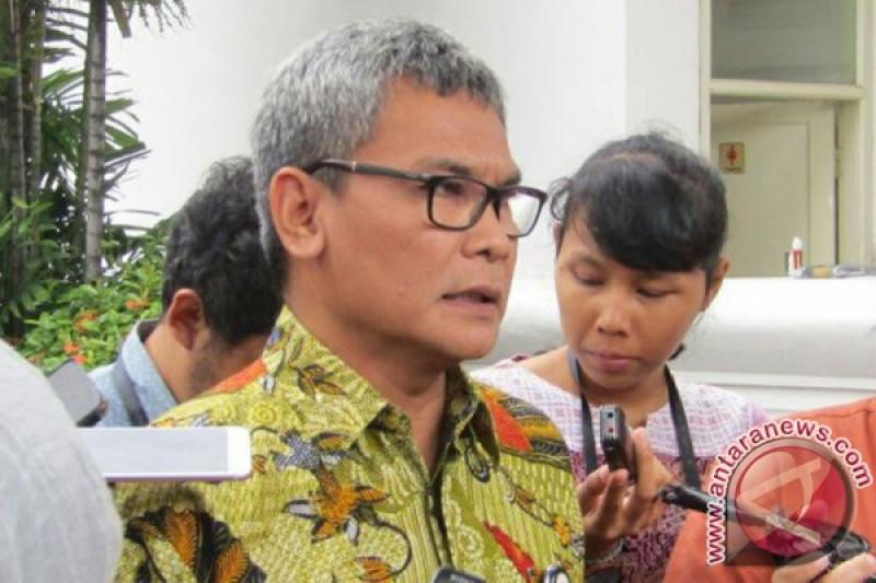 """Johan Budi """"nobar"""" di Surabaya"""