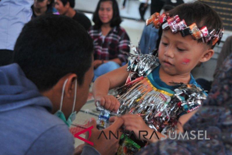 Puluhan anak belajar seni mengolah sampah