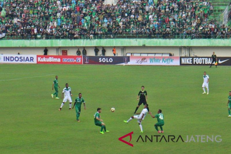 PSIS cukur PSMS Medan 4-1
