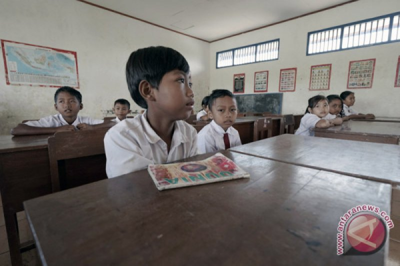 Ganjar bakal gabungkan sekolah dengan jumlah murid sedikit