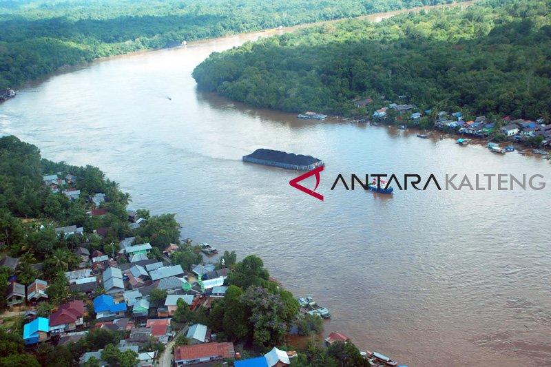 Kapal batu bara di DAS Barito berhenti beroperasi akibat kemarau