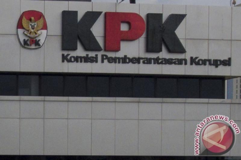 Tersangka suap DPRD Sumut serahkan diri ke KPK