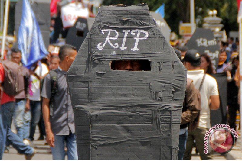 Puluhan pekerja asal NTT meninggal di luar negeri selama Januari--Agustus