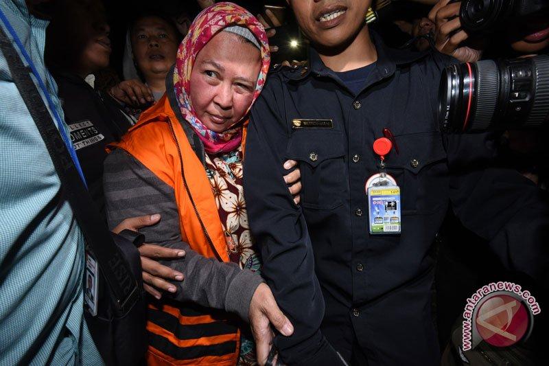 KPK tahan panitera pengganti PN Tangerang