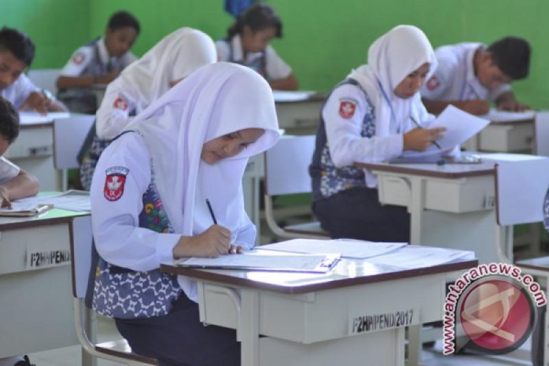 Kemdikbud : penurunan rata-rata UN SMP karena UNBK