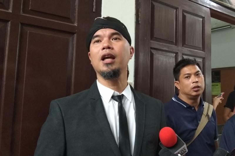Ahmad Dhani laporkan warga ke polisi