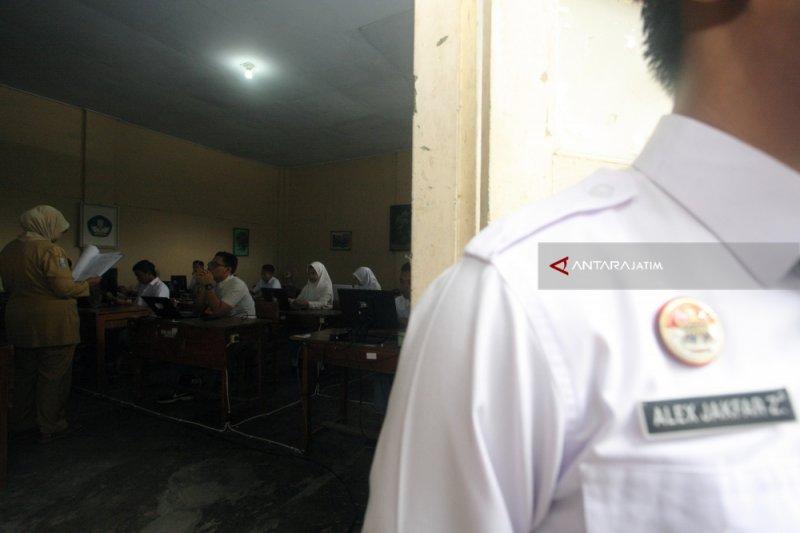 16 anak binaan LPKA Blitar ikut ujian di lapas