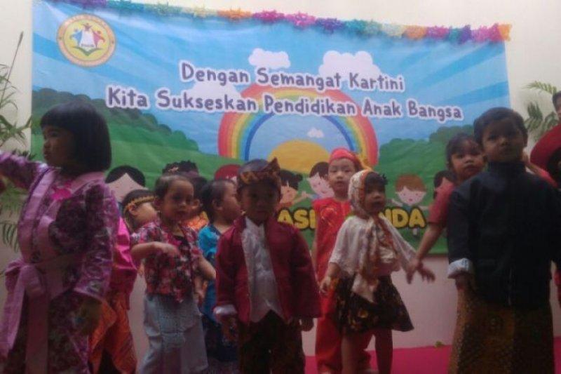 Anak-anak PAUD Kasih Bunda Setneg rayakan Hari Kartini