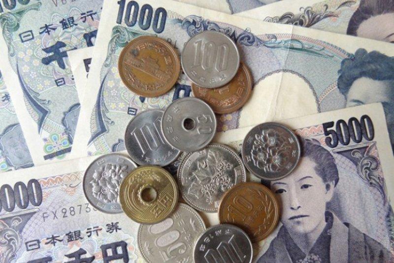 Yen menguat, dolar di Tokyo diperdagangkan dekati 108 yen