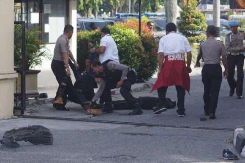 2 Polisi Riau Korban Bacokan Samurai Teroris Jalani Operasi, Kondisi Membaik