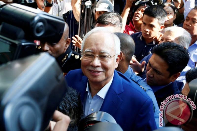 Najib Razak persoalkan pembekuan rekening pribadi