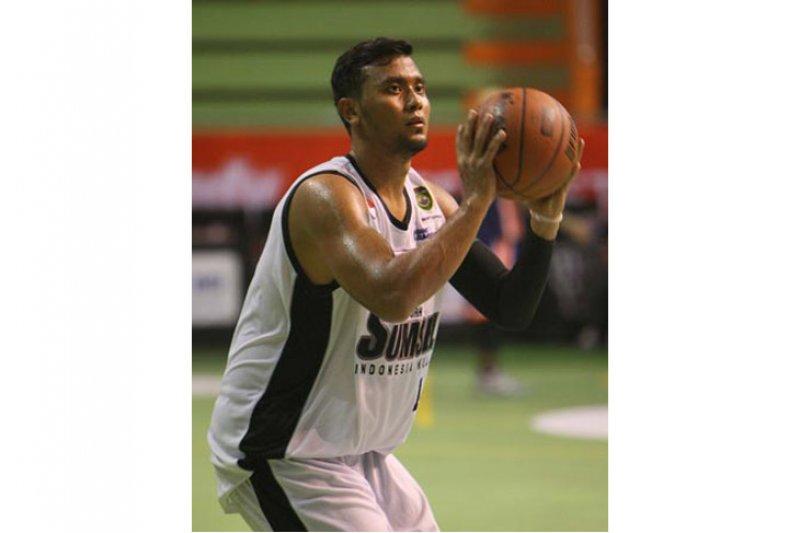 Center Timnas masyarakatkan bola basket melalui Youtube