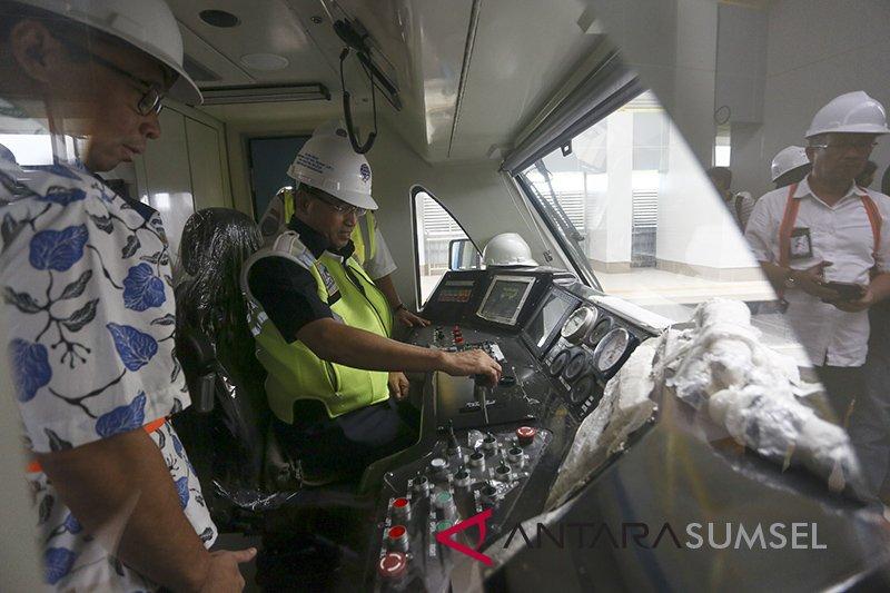 Menhub ajak masyarakat gunakan LRT
