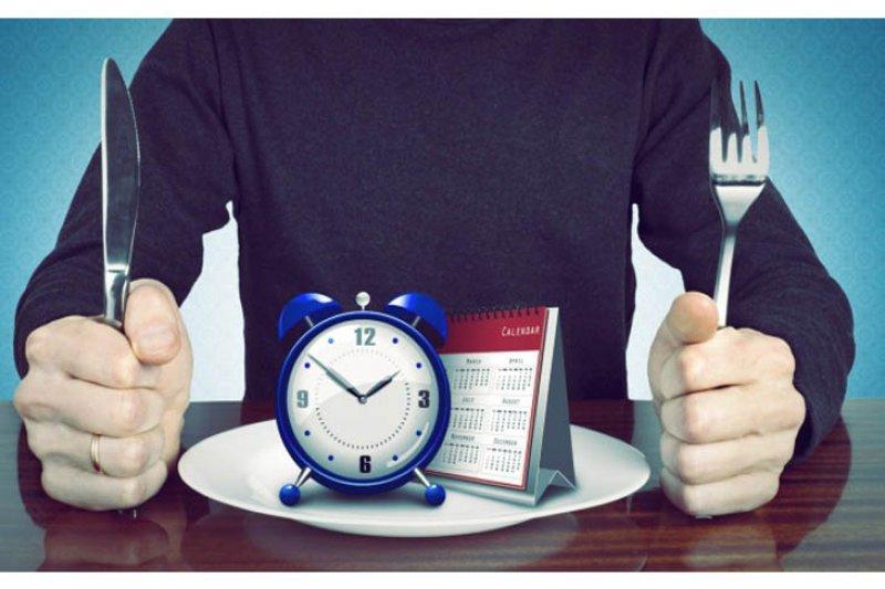 Suka ngemil malam hari? Siap-siap susah tidur dan obesitas