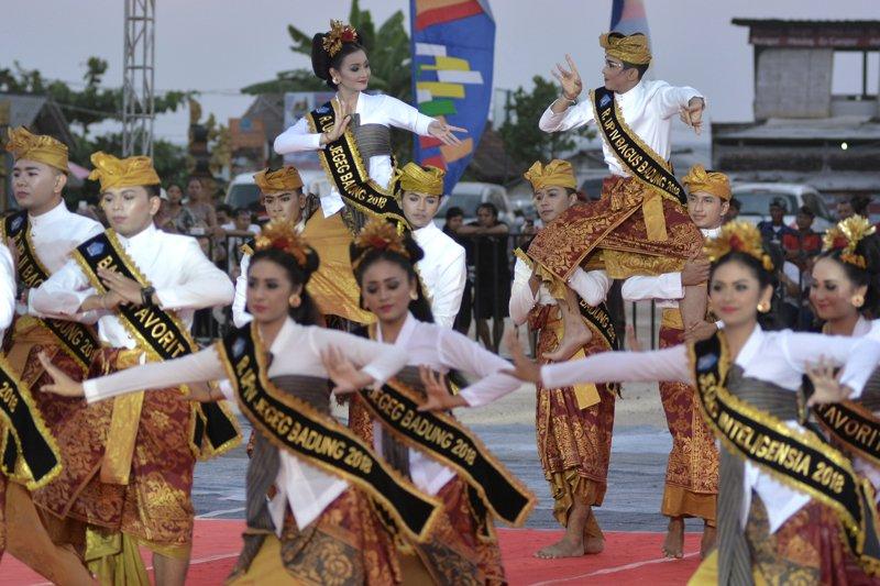 Pembukaan Festival Budaya Bahari