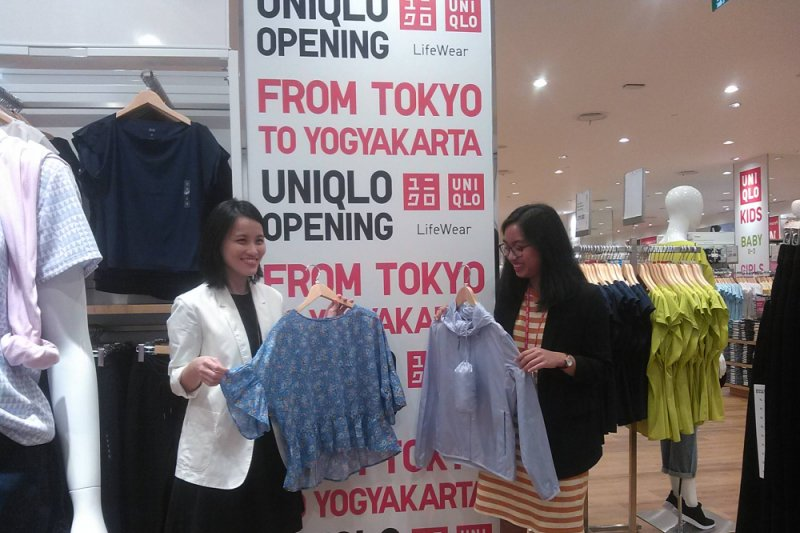 Uniqlo membuka toko di Yogyakarta