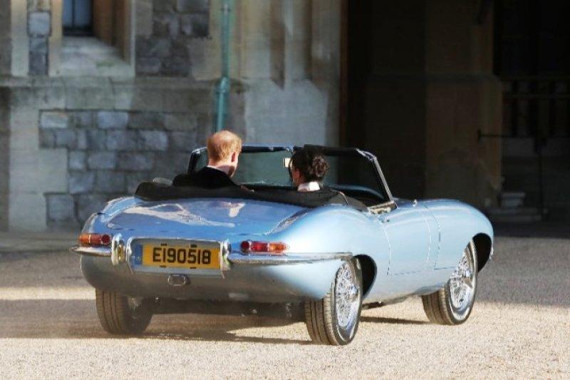 Jaguar E Type >> Jaguar Classic E Type Mobil Listrik Pangeran Harry Pada