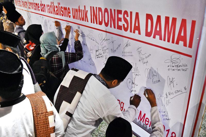 Tokoh lintas agama Pamekasan deklarasi lawan terorisme