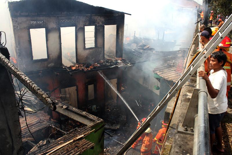 Kebakaran landa rumah tinggal di Pulo Gadung