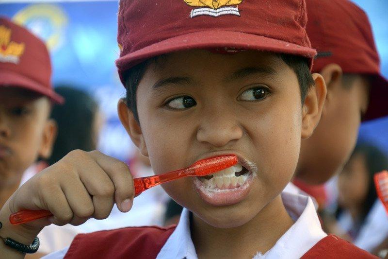 Berdarah saat menyikat gigi? Waspada radang gusi