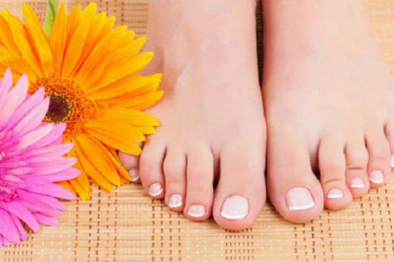 Singkirkan bau kaki dengan cara sederhana