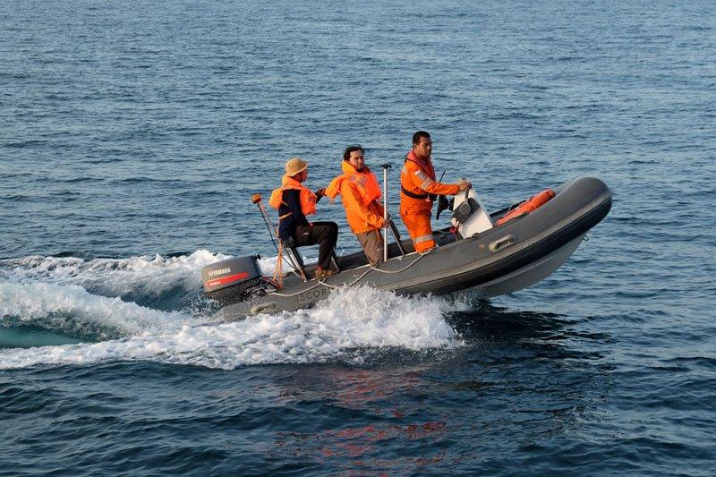 Pencarian korban kapal tenggelam di Makassar