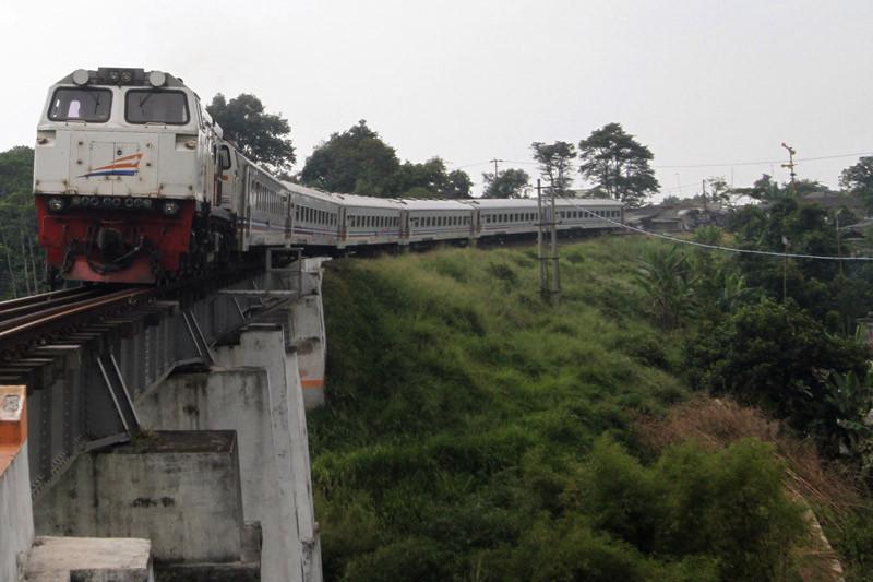 Proyek jalur ganda rel kereta Bogor-Sukabumi