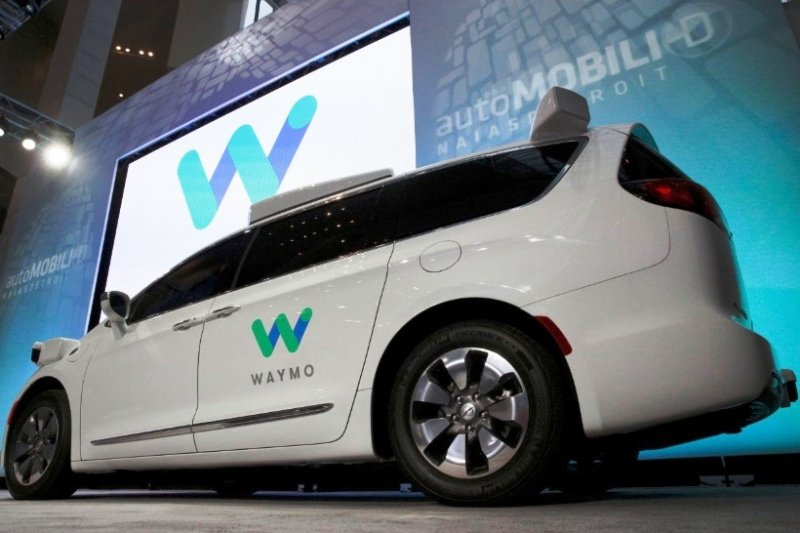 Fiat sediakan 62 ribu mobil swakemudi untuk layanan Robo Taxi Waymo
