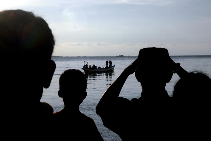 Pencarian Korban Kapal Tenggelam