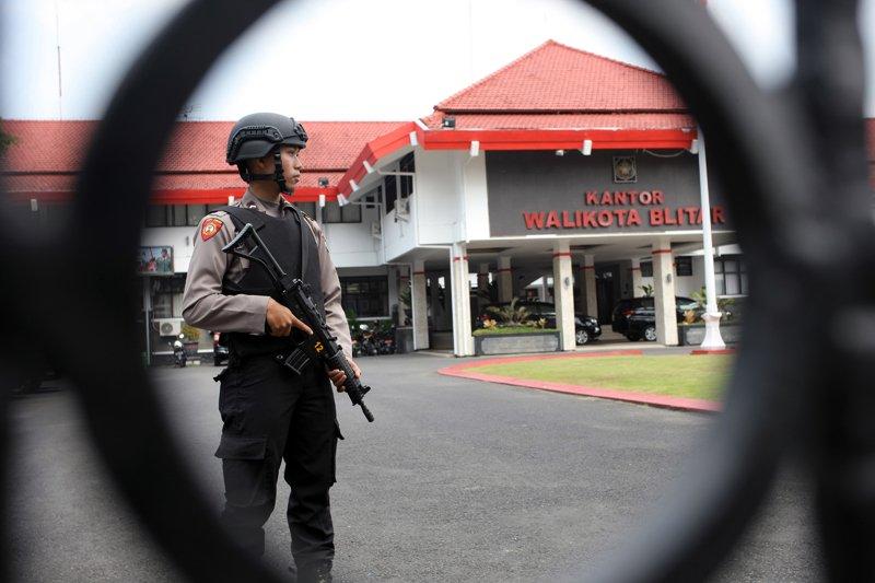 Penggeledahan Lanjutan KPK Di Blitar