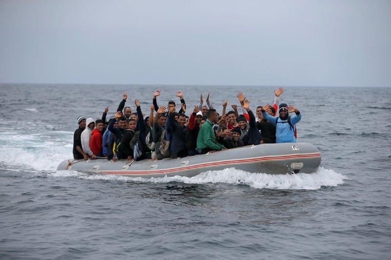 Spanyol tawarkan berlabuh kapal migran