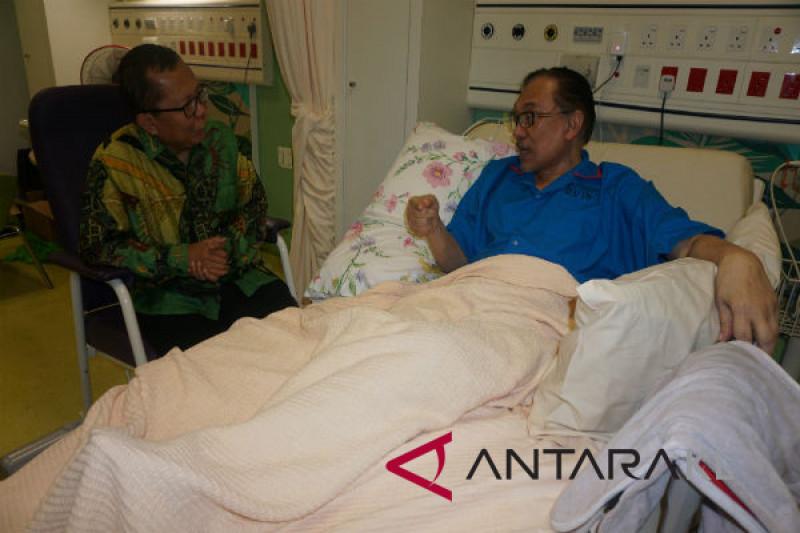 Sekjen PPP kunjungi Anwar Ibrahim